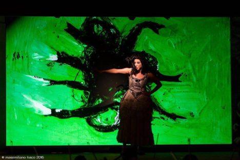 Gianuligi Toccafondo, opera, Reut Ventorero, Teatro dell'Opera di roma,  Massimiliano Fusco, mezzosoprano , Rosina, Rossini, Manuel Amati, OperaCamion,